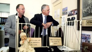 Steve Irons and Malcolm Turnbull at the National Orphanage Museum in 2009.